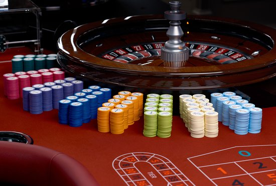 roulette wheel - The Many Benefits One Gets From Online Casinos