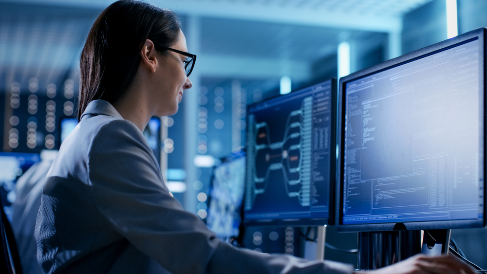 Woman IT Support Specialist - Ways To Become The Best IT Specialist